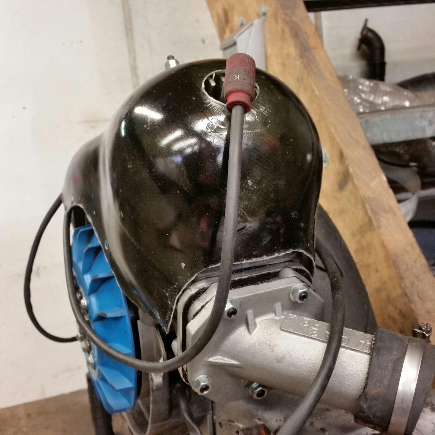 Abdeckhaube besteht aus glasfaser und ist Temperatur fest bis 140C